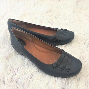 Clarks Artisan Concert Drum Leather Flats Navy